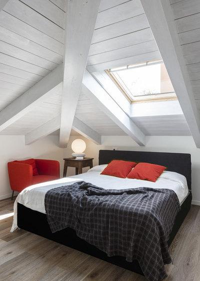 トランジショナル 寝室 by Viù studio di Architettura