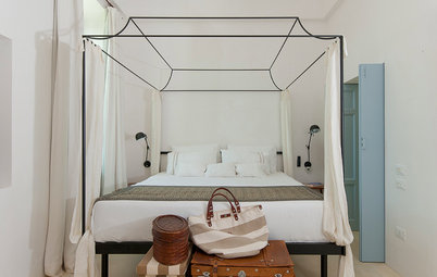 7 Ideas for What to Put Behind Your Bed