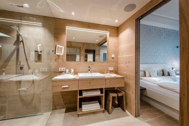 Contemporary Bedroom by Begolo Arredamenti