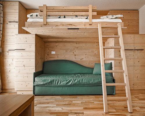 Foto e idee per camerette per bambini e neonati for Camerette in legno massello