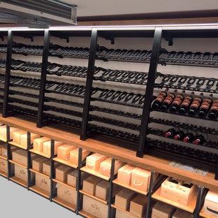 Bild på en retro vinkällare