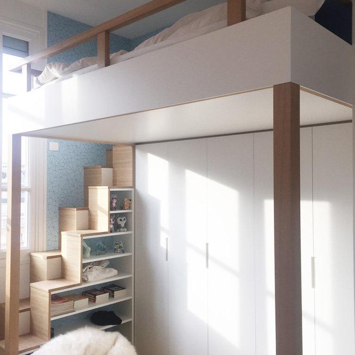 Aménagement d'une chambre d'ado dans les bleus électriques