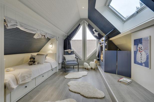 Classique Chic Chambre d'Enfant by Agence NovaOm Architecture d'intérieur