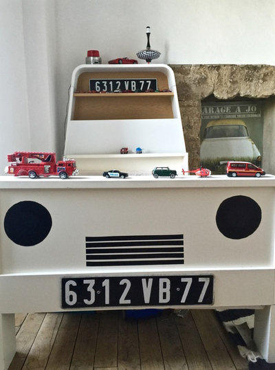 diy personnaliser un lit d 39 enfant pour le transformer en voiture. Black Bedroom Furniture Sets. Home Design Ideas