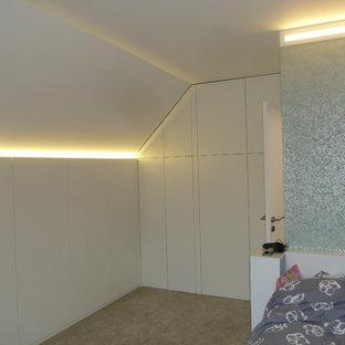 Modelo de dormitorio infantil romántico, pequeño, con paredes verdes, moqueta y suelo verde