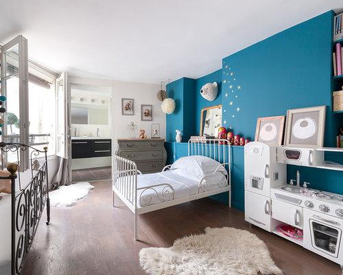 chambre neutre avec un mur multicolore photos et id es d co de chambres neutres. Black Bedroom Furniture Sets. Home Design Ideas