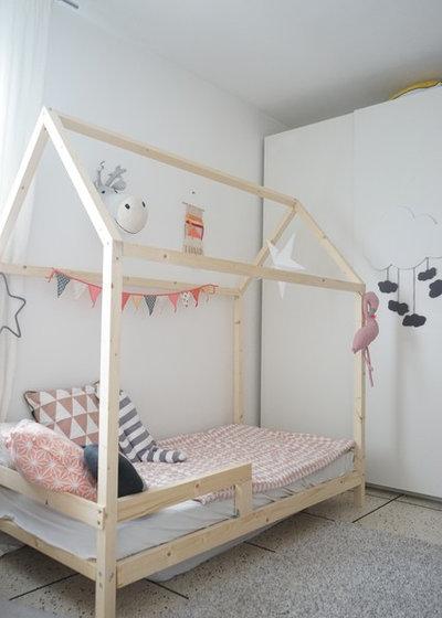 diy ein schlichtes hausbett aus holz f rs kinderzimmer. Black Bedroom Furniture Sets. Home Design Ideas