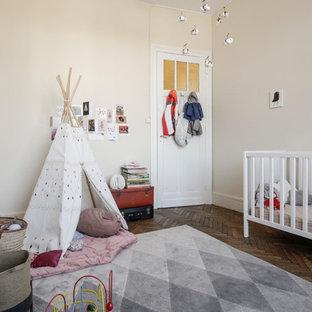 Idées déco pour une chambre de bébé éclectique.