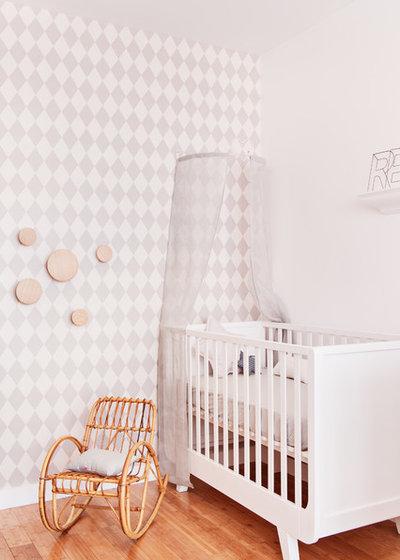 Landstil Babyværelse by Marion Alberge Décoration