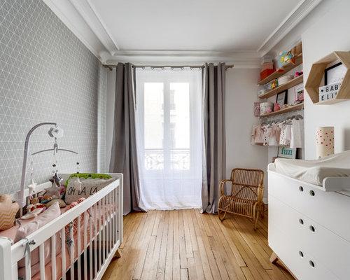 Chambre de bébé avec un sol en bois clair : Photos, aménagement et ...