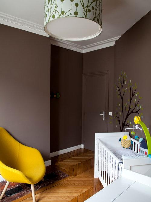 Chambre de bébé avec un mur marron : Photos, aménagement et idées ...