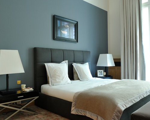 chambre de taille moyenne avec un mur gris photos et id es d co de chambres. Black Bedroom Furniture Sets. Home Design Ideas