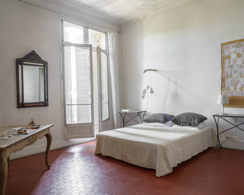 Best white bedroom with terra cotta floors design ideas remodel picture - Chambre jeune adulte ...