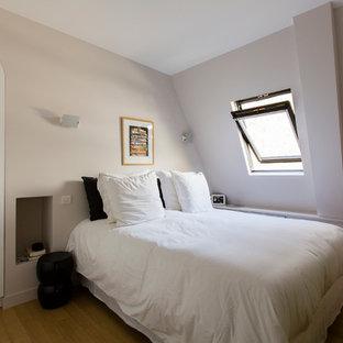 Diseño de dormitorio tipo loft, nórdico, de tamaño medio
