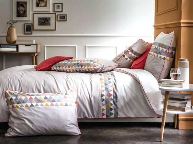 Contemporary Bedroom by Blanc Cerise