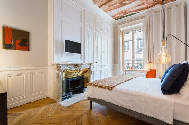 visite priv e accord en bleu majeur pour un appartement xix. Black Bedroom Furniture Sets. Home Design Ideas