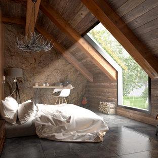 Foto de dormitorio principal, rústico, grande, con paredes marrones, suelo de baldosas de cerámica, estufa de leña, marco de chimenea de hormigón y suelo gris