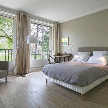 Création d'un studio au sein d'un grand appartement ; chambre classique