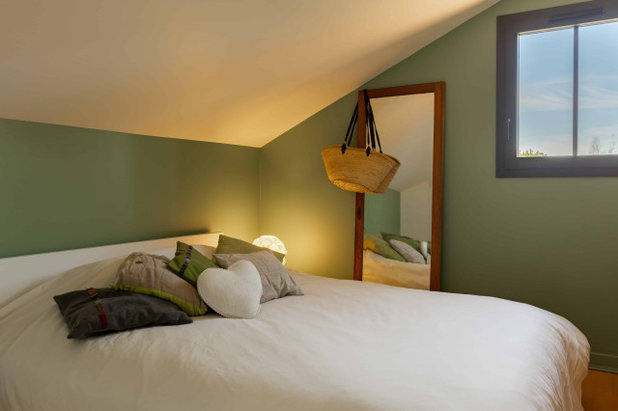 Средиземноморский Спальня by Expression Architecte Intrieur