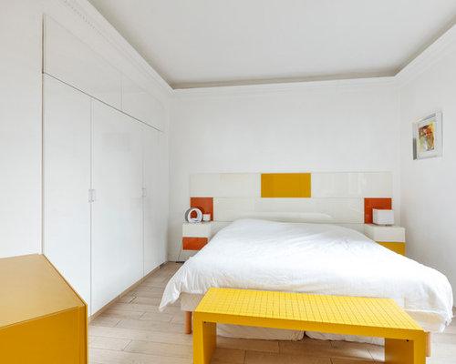 living noir rouge et blanc et chambre ensoleill e paris. Black Bedroom Furniture Sets. Home Design Ideas