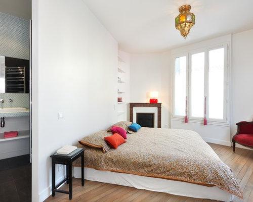 chambre avec une chemin e d 39 angle photos et id es d co de chambres. Black Bedroom Furniture Sets. Home Design Ideas