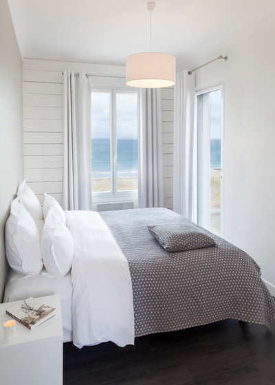 Beach Style Bedroom by Maison des Ormes