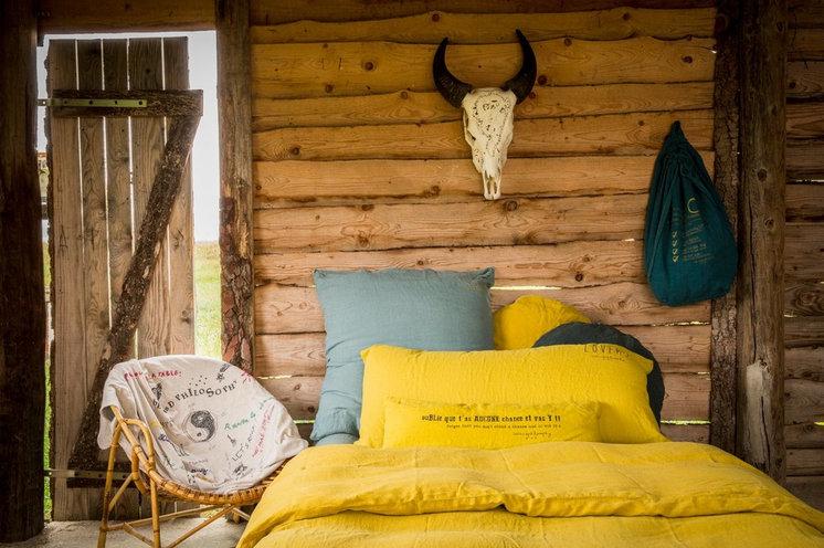 Современный Спальня by bed and philosophy