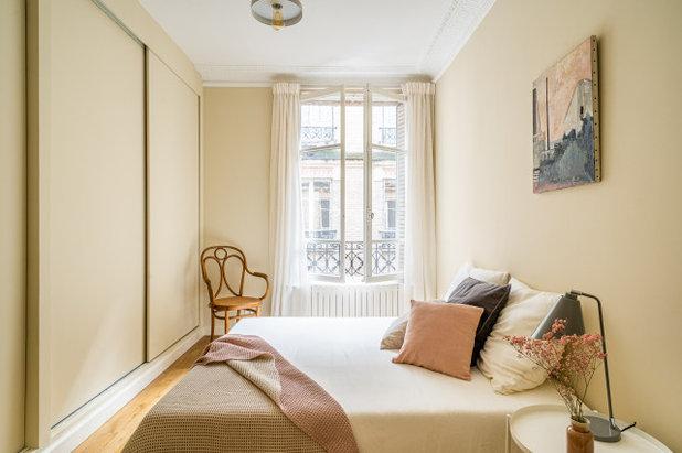 Неоклассика Спальня by Frdrique Misdariis - Home Staging Paris
