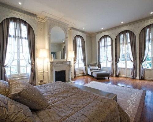 chambre avec un manteau de chemin e en pl tre photos et id es d co de chambres. Black Bedroom Furniture Sets. Home Design Ideas