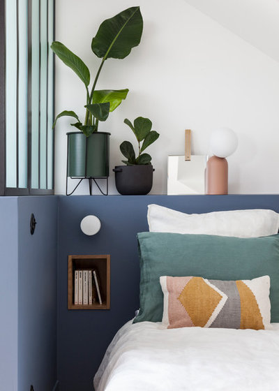 Modern Bedroom by AGENCE MARN DÉCO