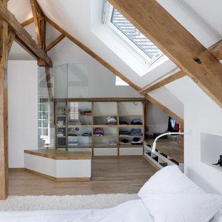 Rustik inredning av ett sovrum