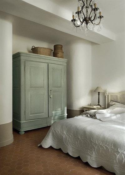 Casa de campo Dormitorio by Décoration et provence