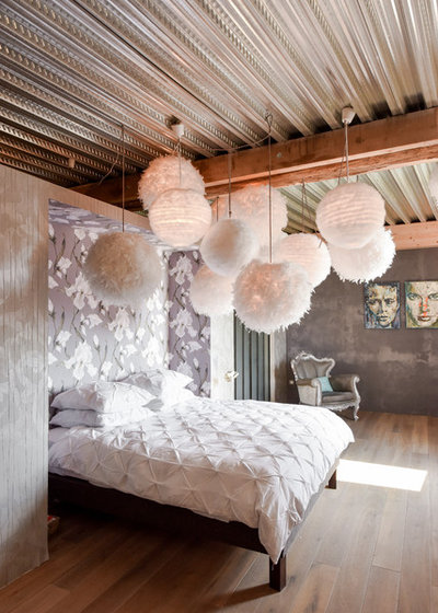 Shabby-chic Style Bedroom by renow