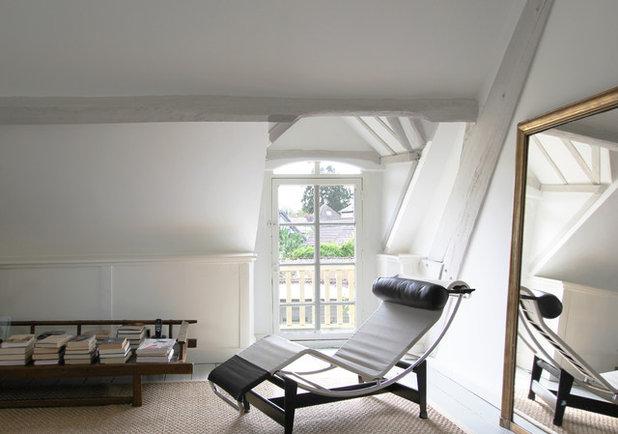 Midcentury Bedroom by A+B KASHA Designs