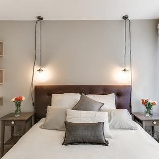 Cette image montre une petite chambre design.