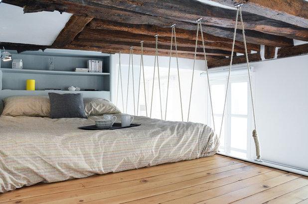 Coastal Bedroom by Les Murs ont des oreilles