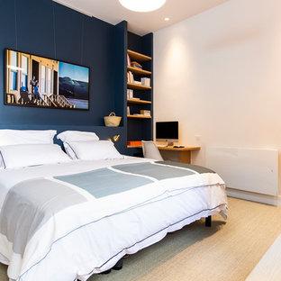 Chambre contemporaine avec un mur bleu : Photos et idées ...