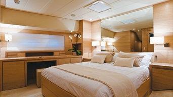 Yacht Couach