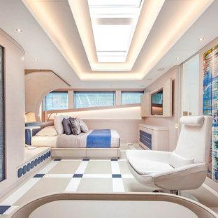 Inspiration pour une chambre design avec un mur blanc.
