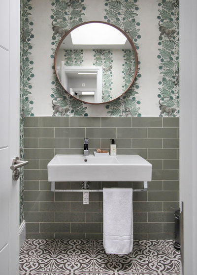 Contemporary Cloakroom by Yoko Kloeden Design