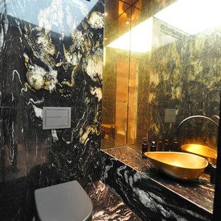 Idee per un piccolo bagno di servizio contemporaneo con WC sospeso, piastrelle multicolore, piastrelle di marmo, pareti multicolore, pavimento in marmo, lavabo da incasso, top in marmo, pavimento multicolore e top multicolore