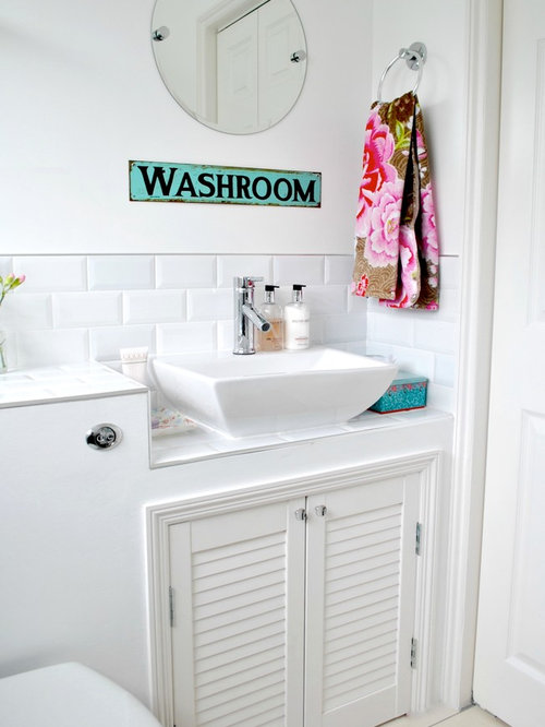 Shabby chic style cloakroom design ideas renovations photos for Toilette shabby chic
