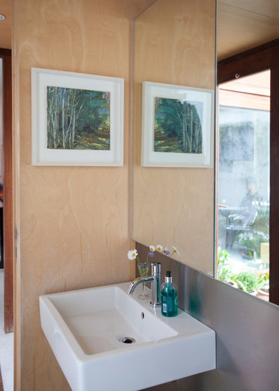 Contemporary Cloakroom by houseology