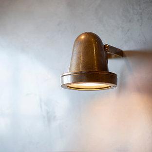 Свежая идея для дизайна: маленький туалет в современном стиле с плоскими фасадами, бежевыми фасадами, унитазом-моноблоком, белой плиткой, цементной плиткой, серыми стенами, полом из сланца, накладной раковиной, столешницей из бетона, черным полом и бежевой столешницей - отличное фото интерьера