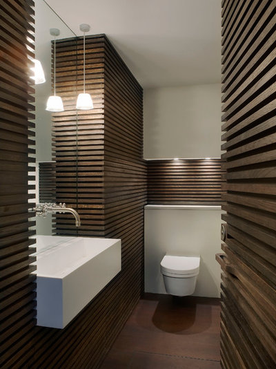 Contemporain Toilettes by Found Associates