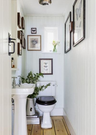 トラディショナル トイレ・洗面所 by Unique Homestays