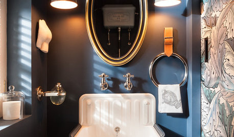 16 Gorgeous Cloakrooms With Dark Walls
