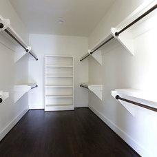 Craftsman Closet by Black Dawg Construction, LLC