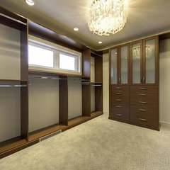 contemporary closet by Gino's Homes