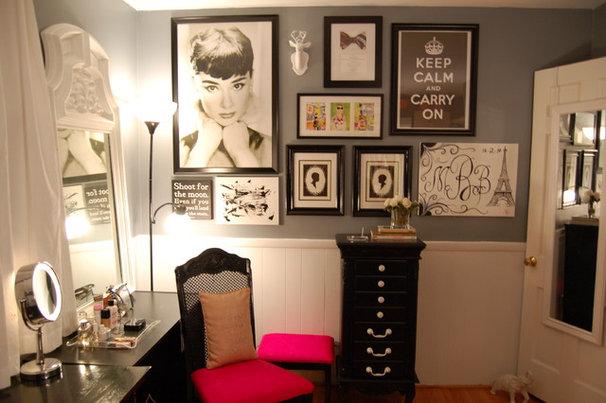 Eclectic Closet Closet/Dressing Room